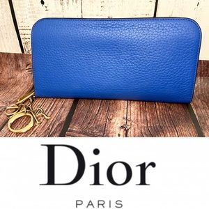 Christian Dior leather zippy wallet like new 💙